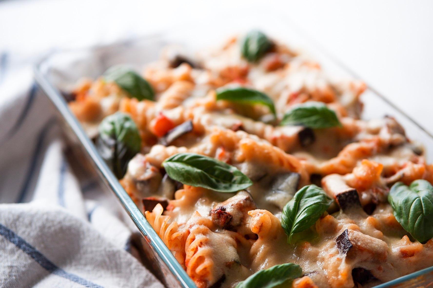 Vegane Käsesoße für Aufläufe, Pizza oder zu Pasta – schnell und einfach