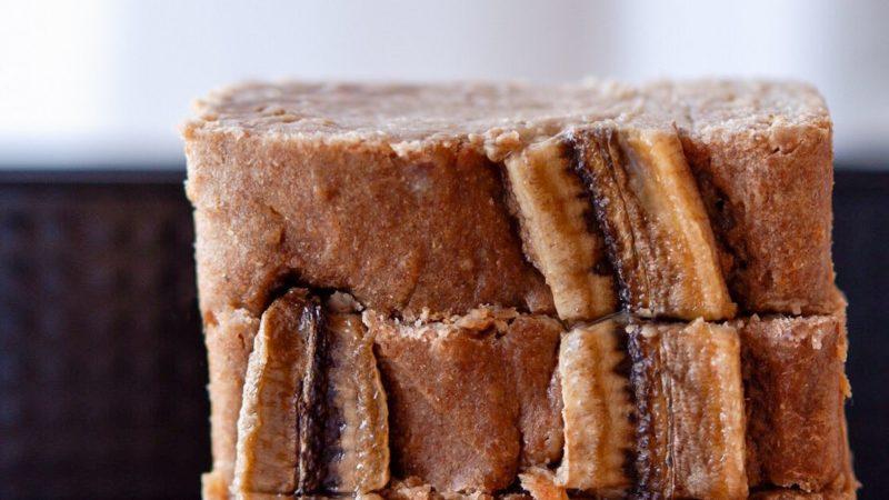 Zuckerfreies veganes Bananenbrot – schnell und einfach