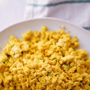 Veganes Rührei aus Tofu