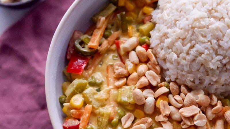 Schnelles und fruchtiges veganes Curry